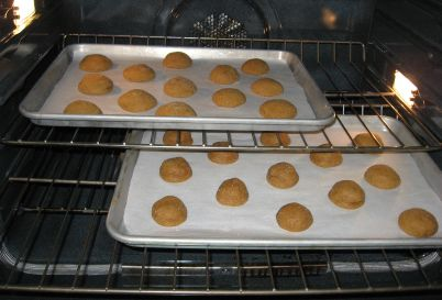 cookies%20-%20after%205%20minutes%20baking.jpg