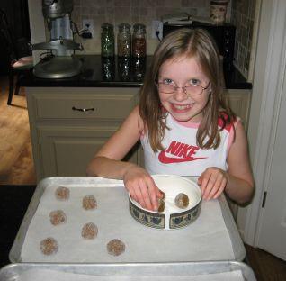 cookies%20-%20girl%20rolling%20dough%20balls.jpg